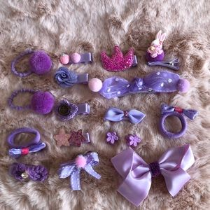 Set of 17 hair accessories